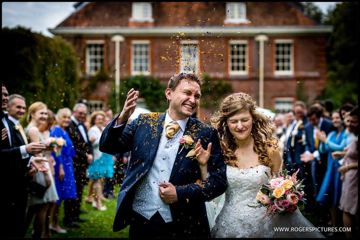 Do you need a reportage wedding photographer?