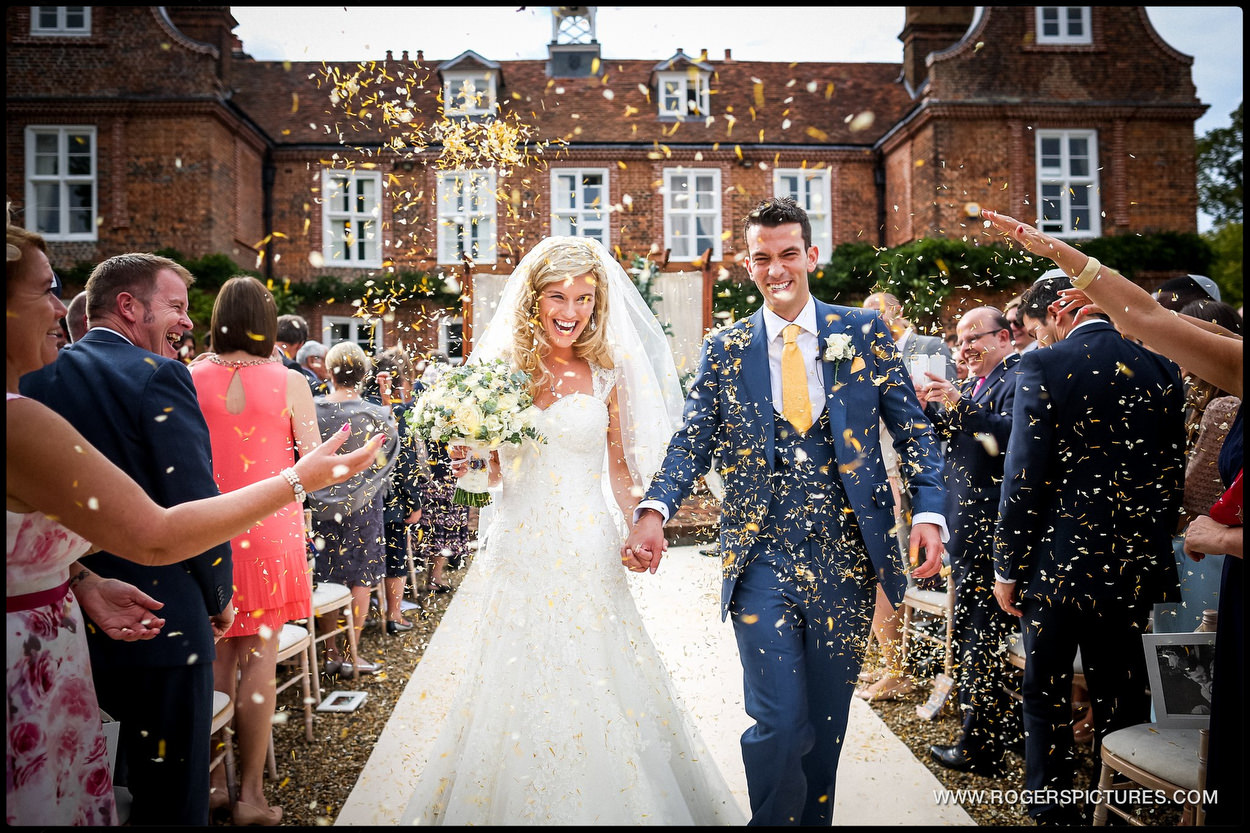 Harpenden wedding photographer confetti