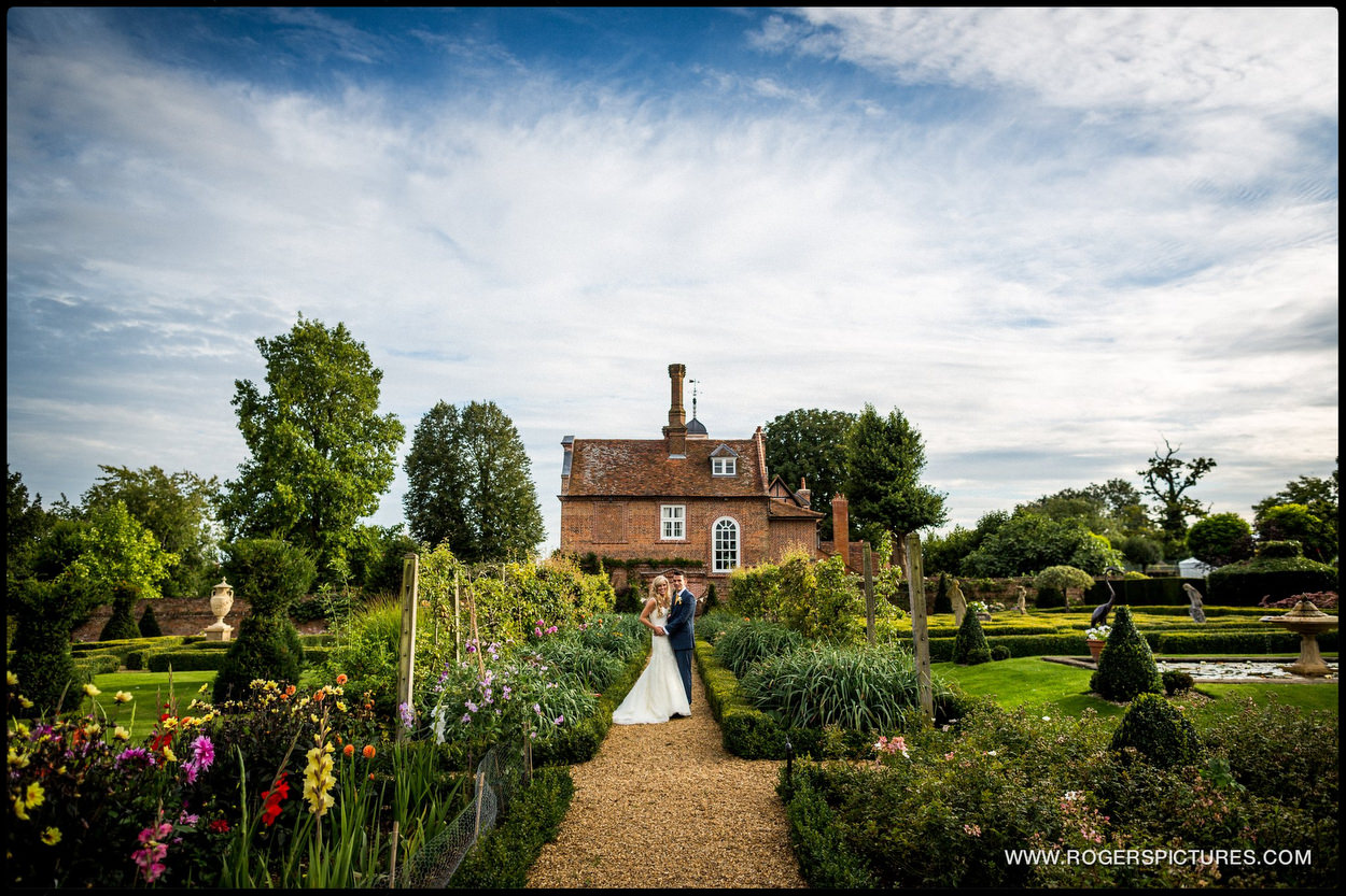 Harpenden wedding photographer outdoor wedding