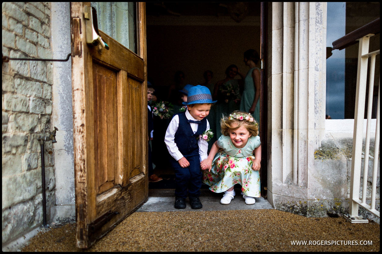 Children before the wedding