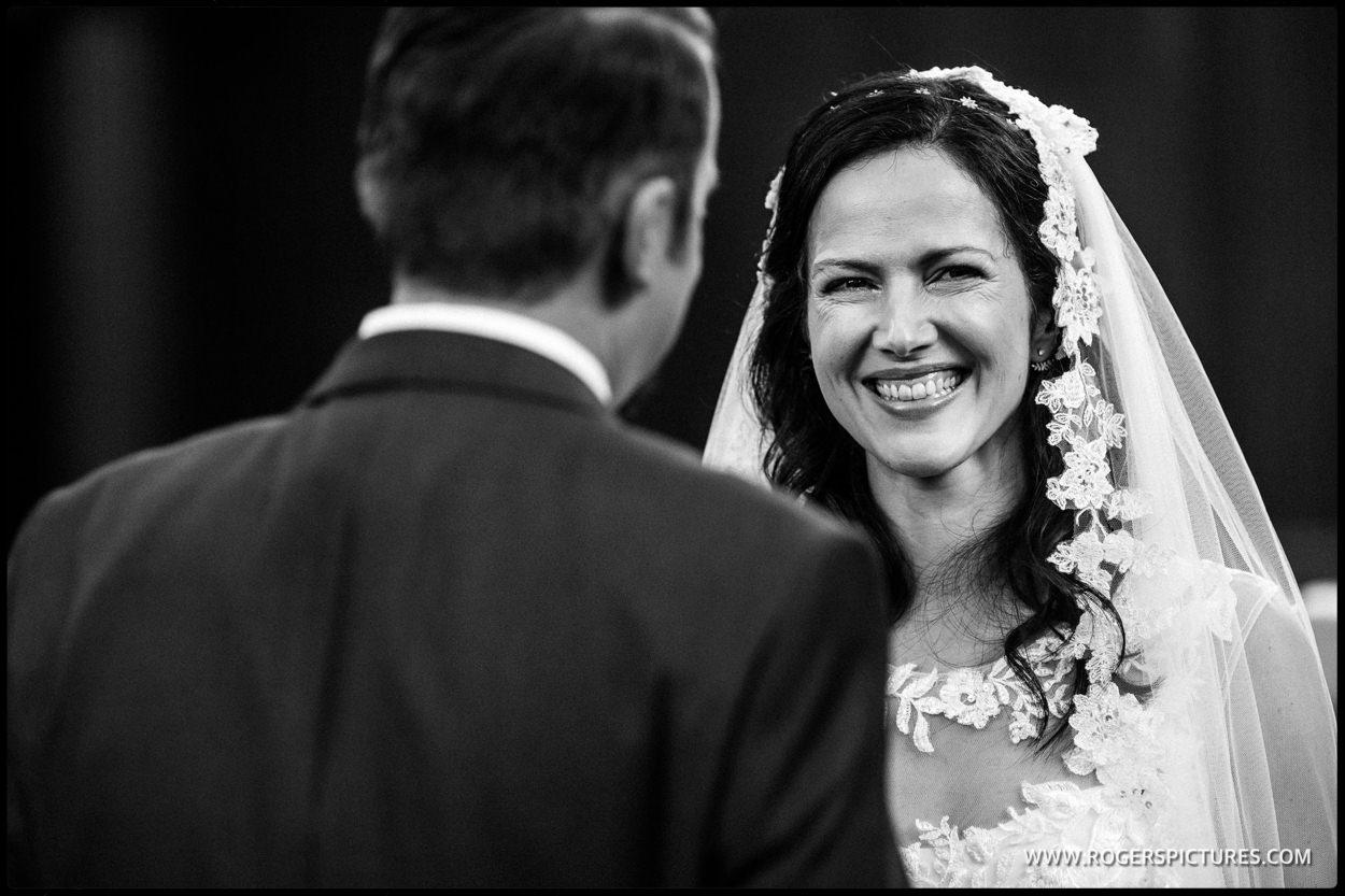 Islington Town Hall black and white wedding photo