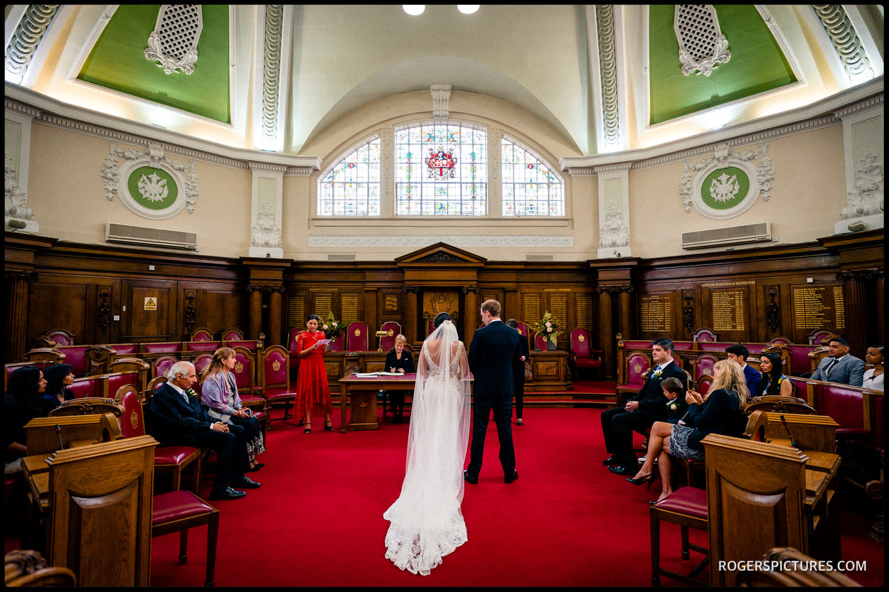Dando London wedding dress at Islington Town Hall ceremony