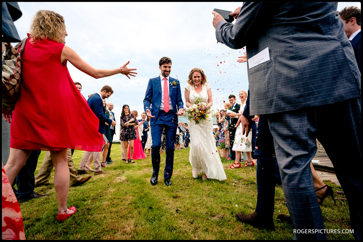 Buckinghamshire barn wedding confetti