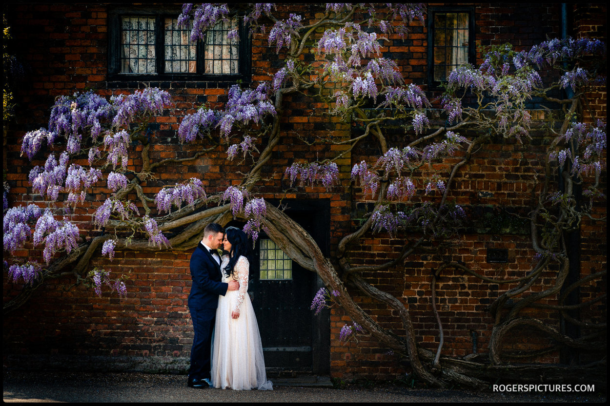 Newly wed couple at Hatfield House