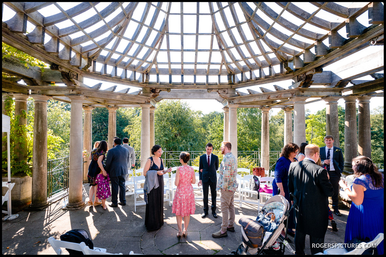 Hampstead Pergola and Hill Gardens outdoor wedding