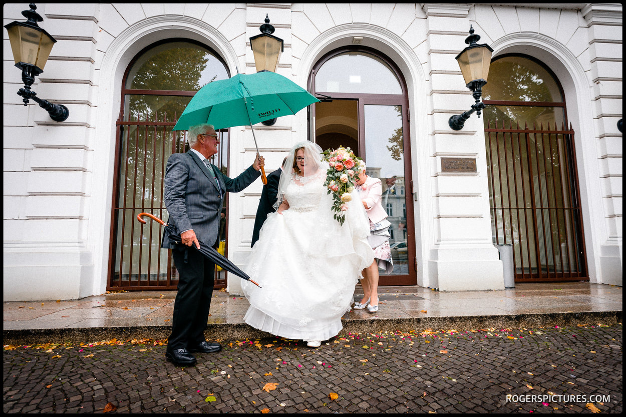 Hamburg wedding in the rain