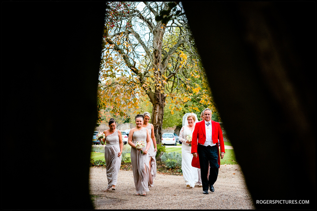 Toastmaster leads bridal party at Stoke Place Hotel