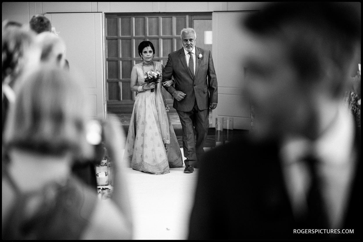 Arrival of the bride at Oatlands Park Hotel