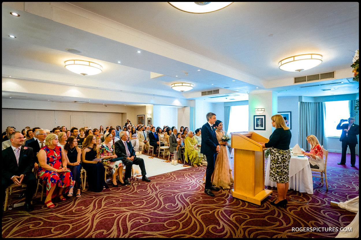 Surrey wedding at Oatlands Park Hotel