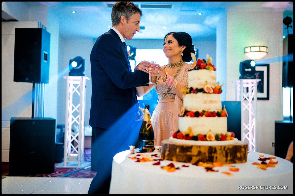 Oatlands Park Hotel wedding cake
