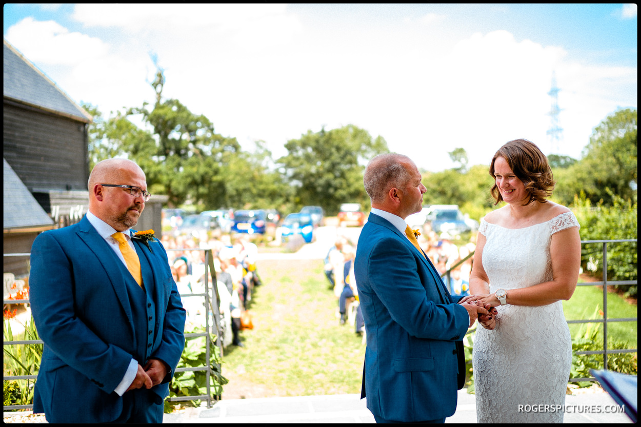 Outdoor wedding in Hitchin