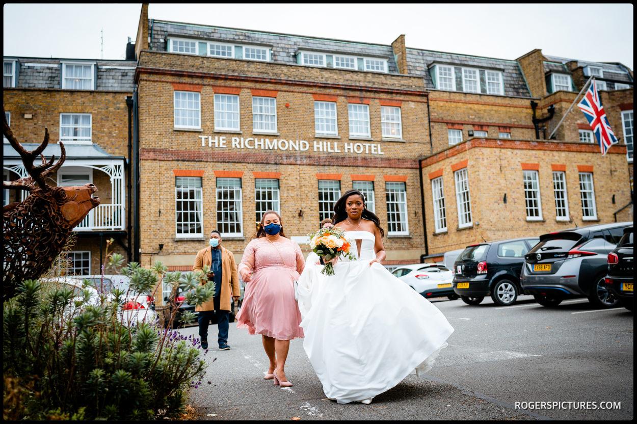 Bride outside Richmond Hill Hotel