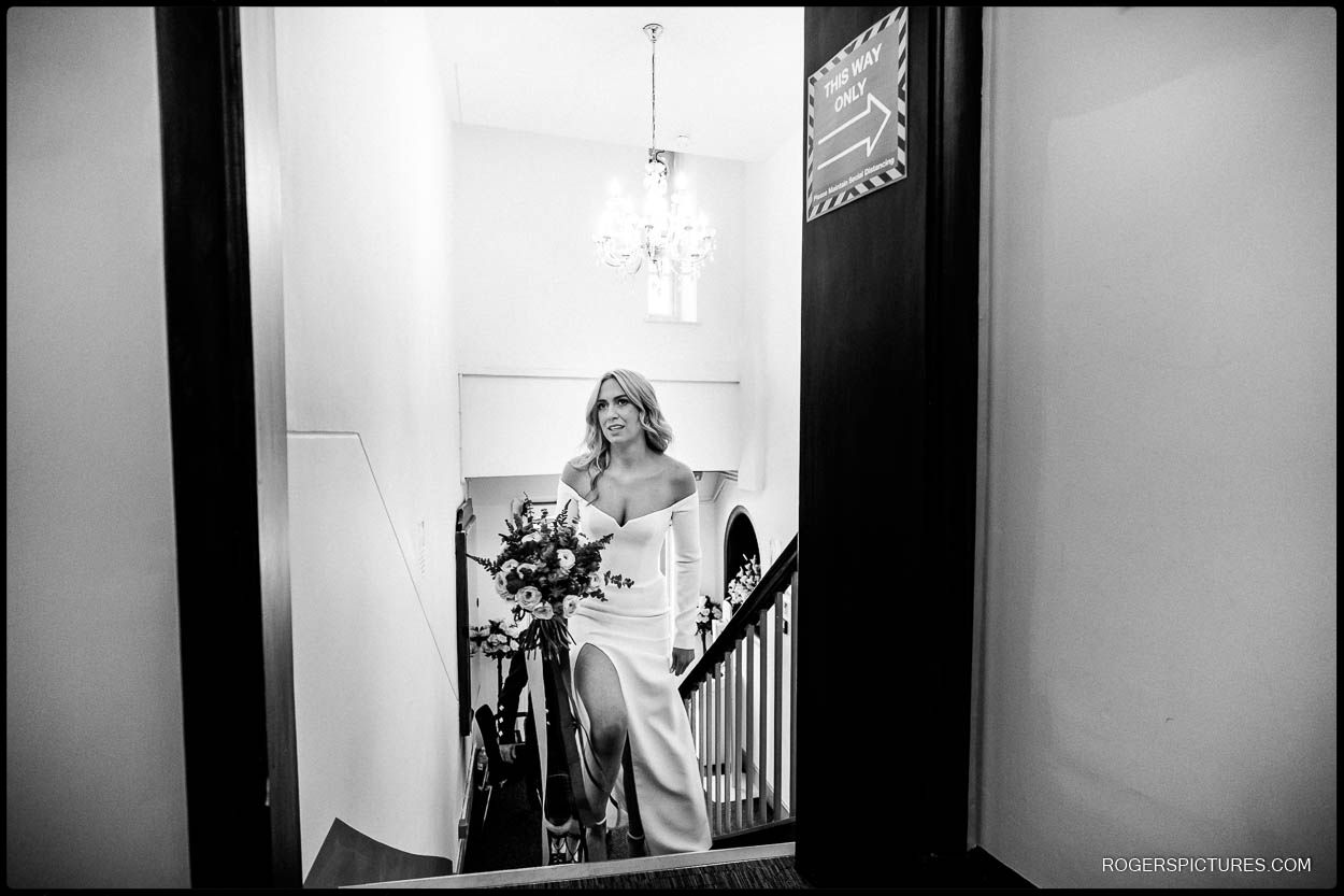 bride arrives at chelsea old town hall
