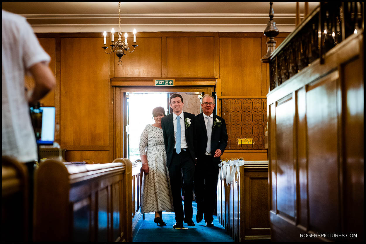 Bride and parents at Hampstead Garden Suburb Synagogue